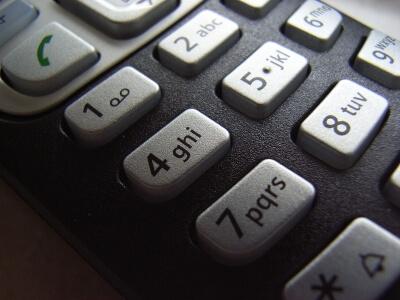 telefon (c) R. B.  / pixelio.de