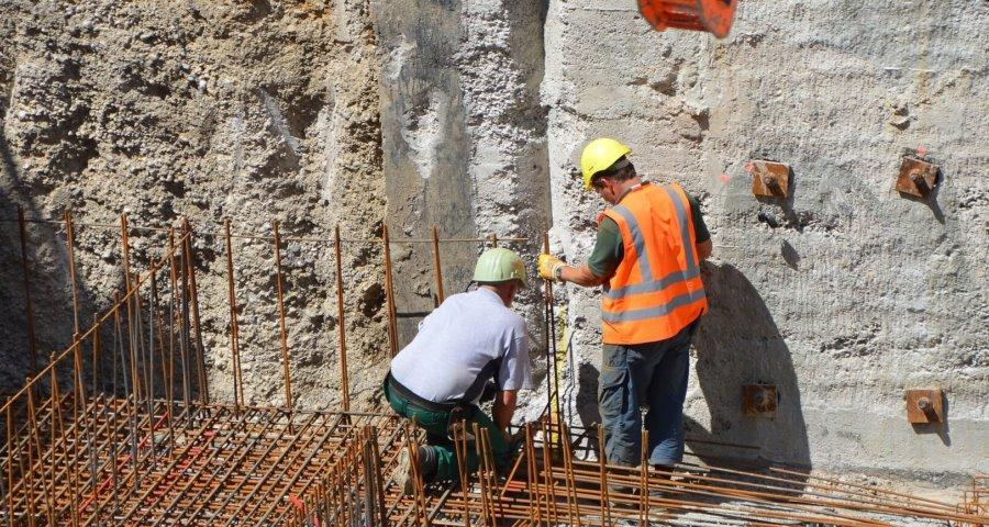 Bauarbeiter haben einen körperlich anstrengenden Beruf (c) piro4d / pixabay.de