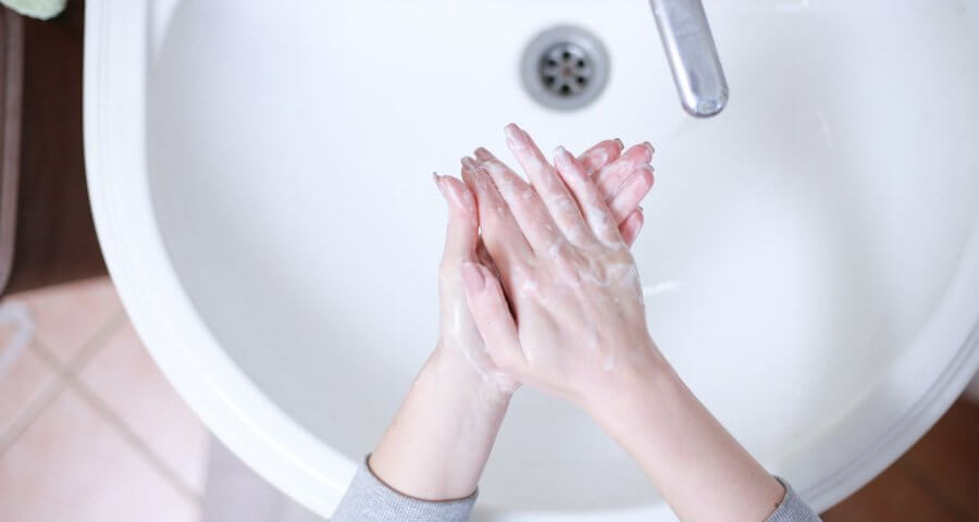 Öffnung mit Hygiene-Konzept (c) Martin Slavoljubovski / pixabay.de